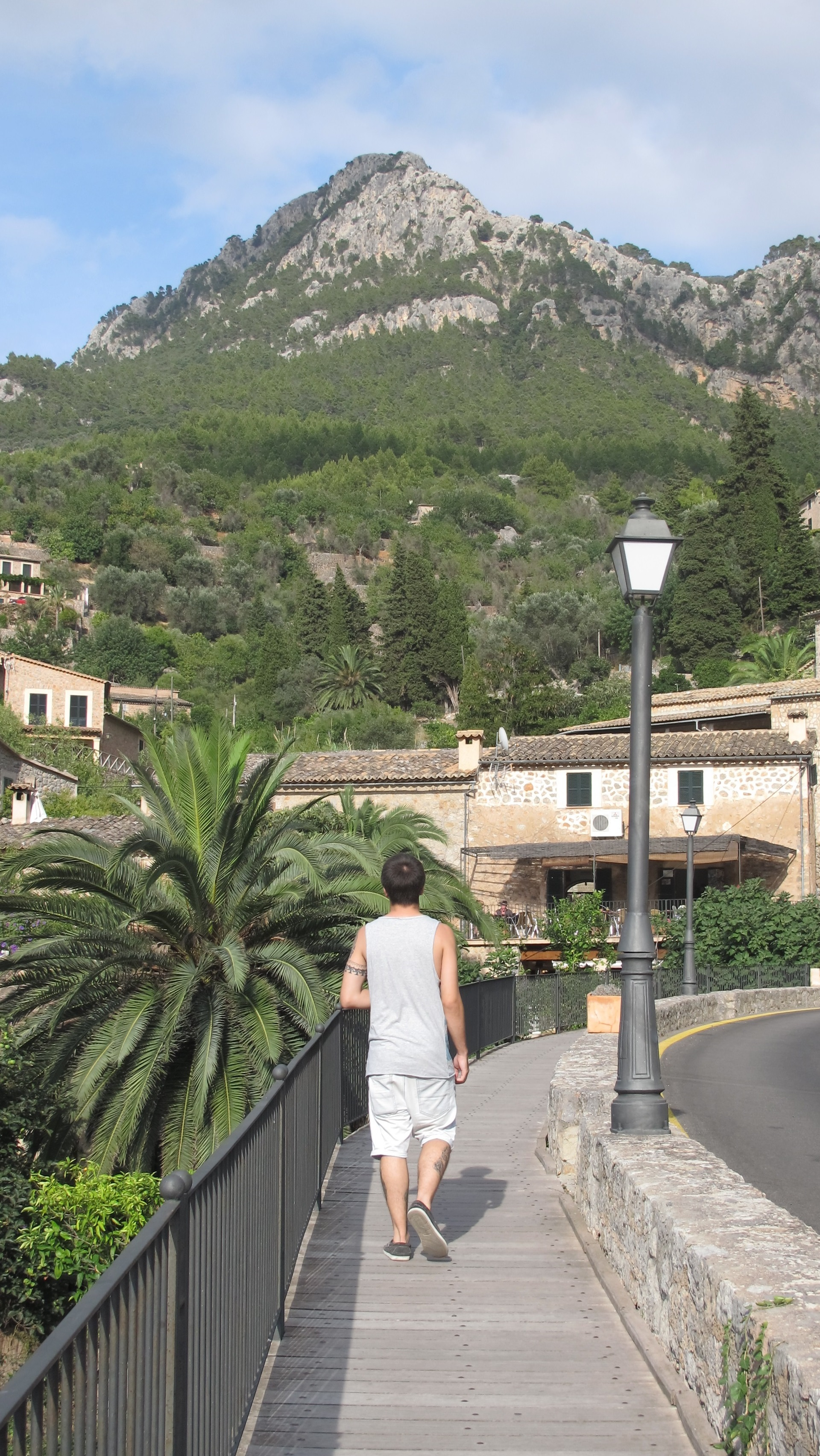valldemosa hindu personals Looking for cheap hotels in magaluf, spain from budget magaluf hotels to 5 star all inclusive, get a great hotel deal on sunshinecouk we're fully atol protected, and with hotel deposits.